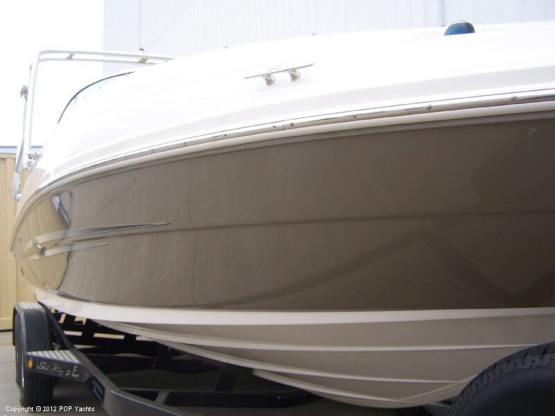 2007 Sea Ray 220 Sundeck - Photo #10