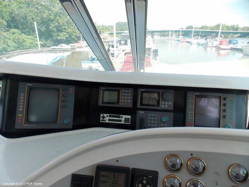 1998 Bluewater Yachts 510 Motoryacht - Photo #4