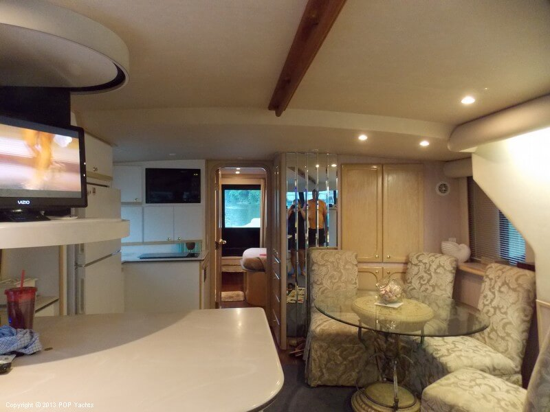 1998 Bluewater Yachts 510 Motoryacht - Photo #10