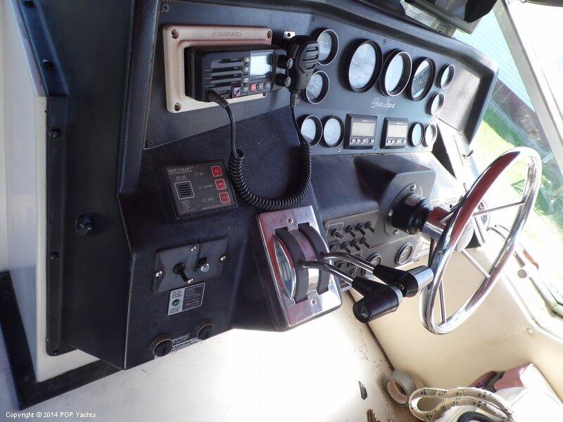 1988 Wellcraft 3400 GranSport - Photo #15