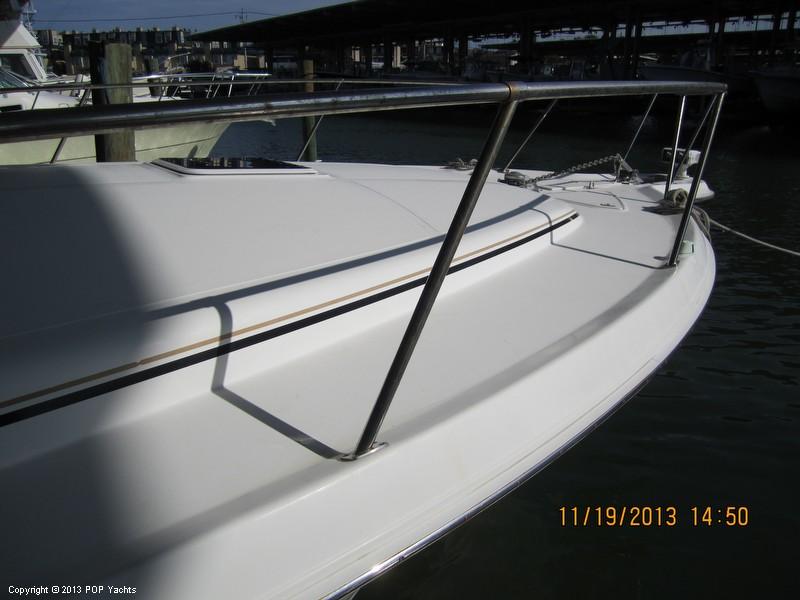 1997 Sea Ray 370 Express - Photo #23