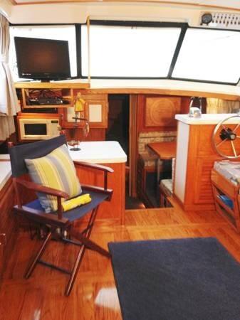 1987 Mainship 36 Nantucket - Photo #18