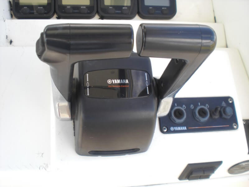 2006 Contender 35 Side Console - Photo #10