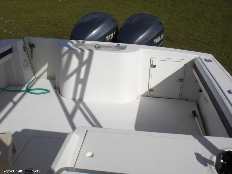 2006 Contender 35 Side Console - Photo #16