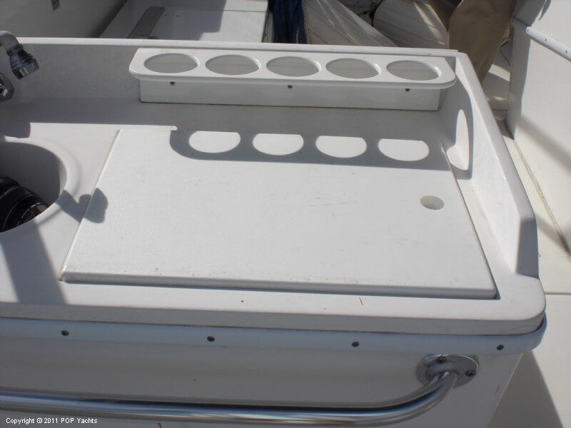 2006 Contender 35 Side Console - Photo #22