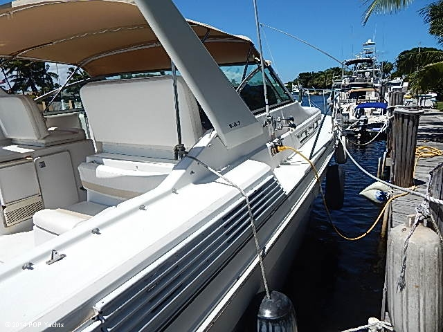 1990 Chris-Craft 360 Express - Photo #24