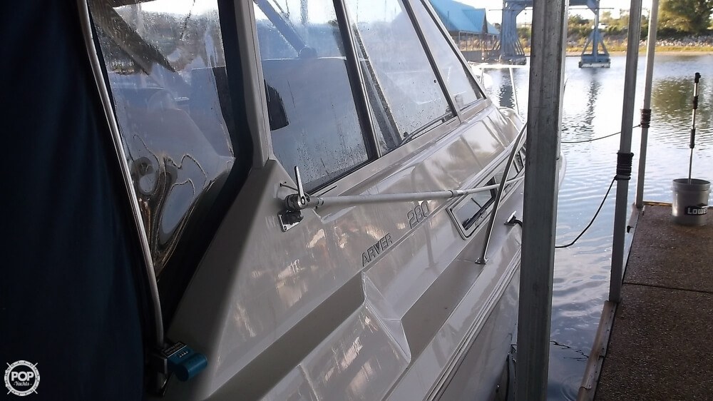1996 Carver 28 Express Cruiser - Photo #16