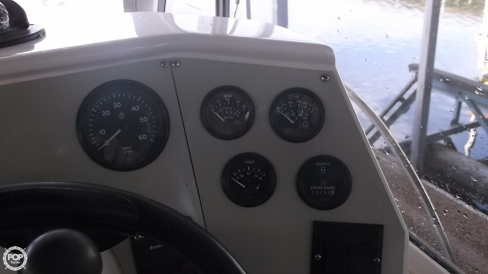 1996 Carver 28 Express Cruiser - Photo #24
