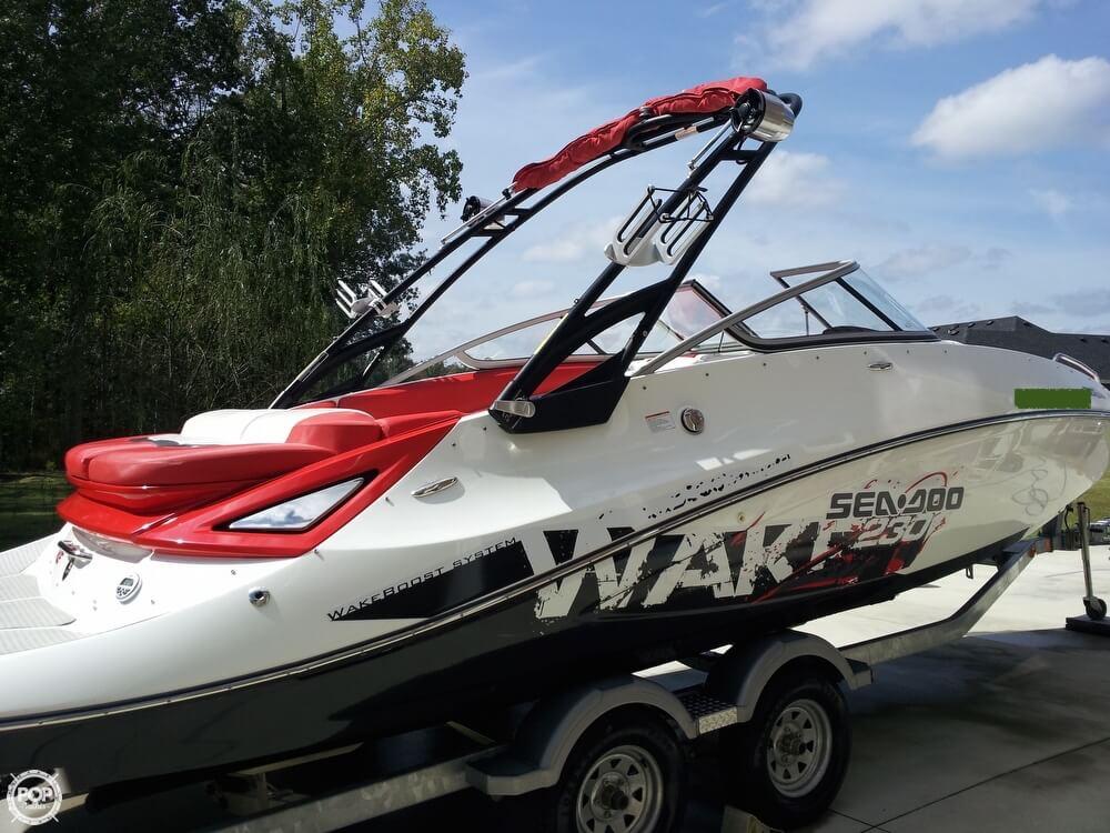 2011 Sea-Doo 230 WAKE - Photo #4
