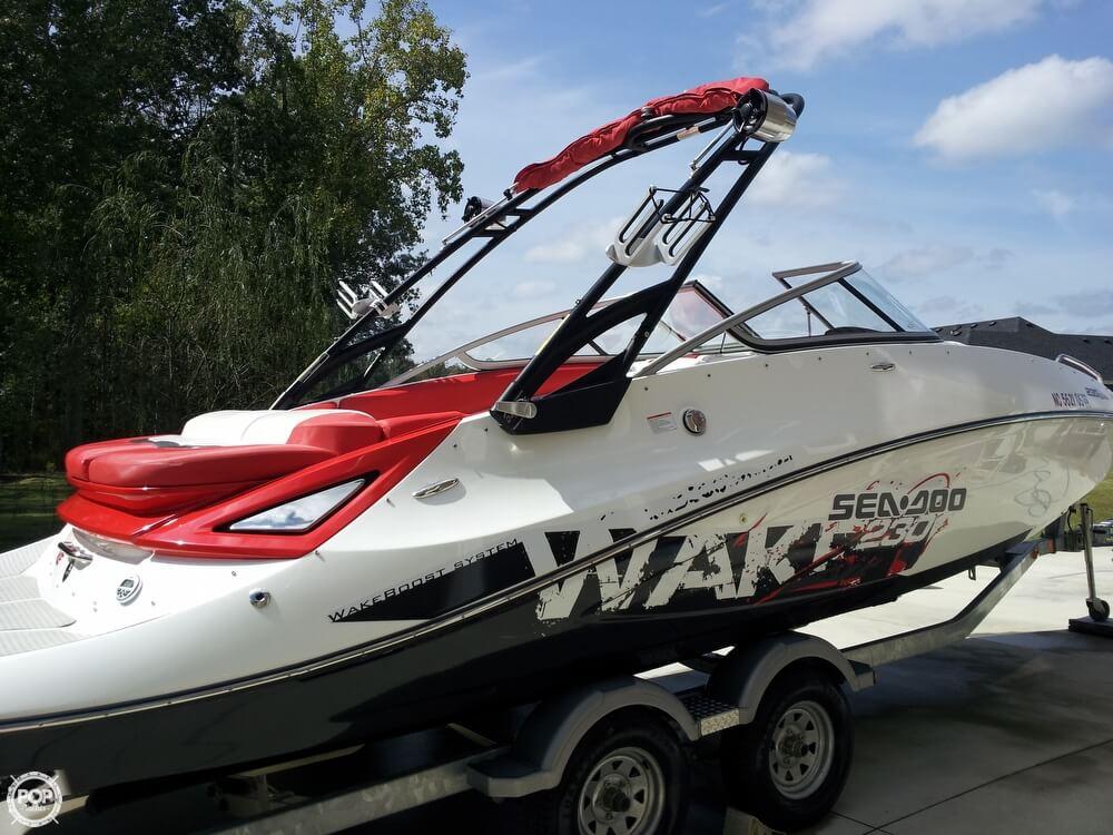 2011 Sea-Doo 230 WAKE - Photo #32