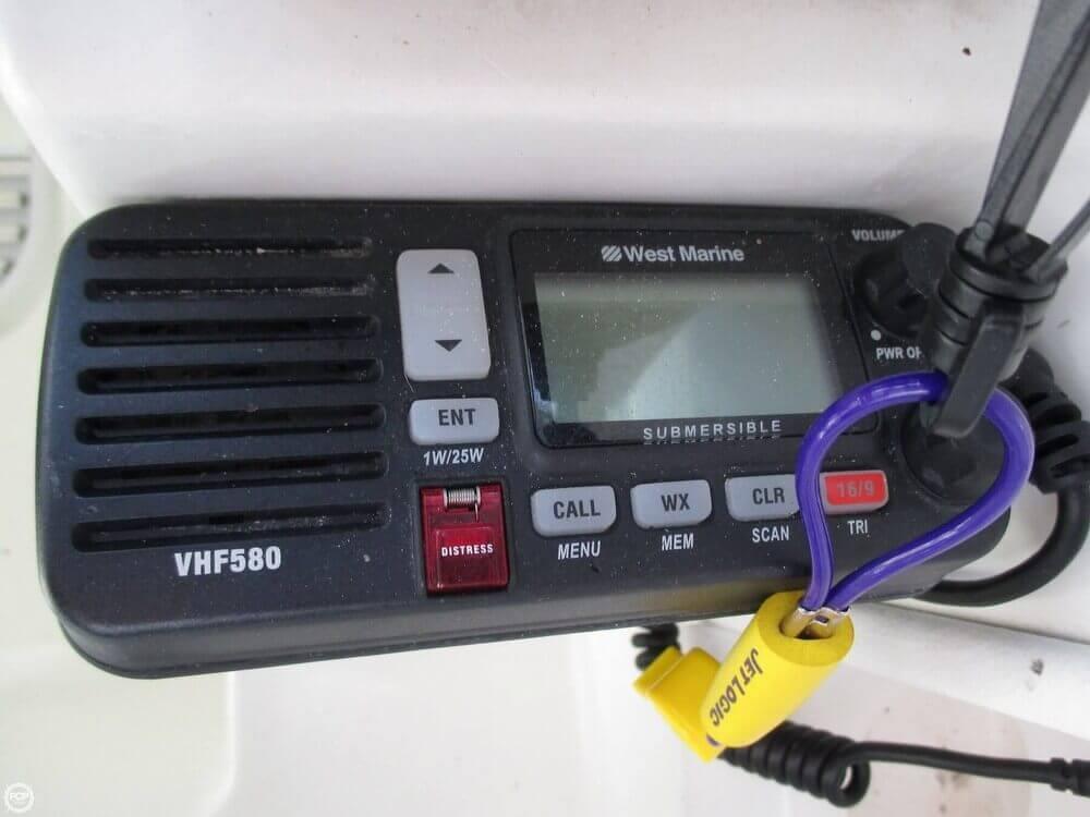 2000 Wellcraft 22 Walkaround - Photo #17