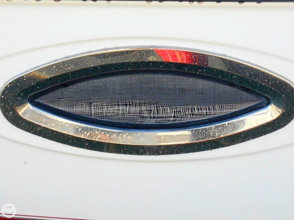 2004 Maxum 2700 SE - Photo #10