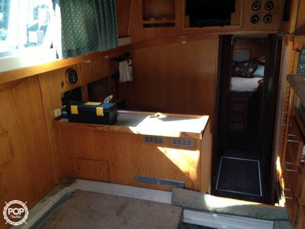 1985 Luhrs 342 SF - Photo #9